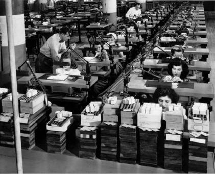 Women working at the Elgin factory during WWII